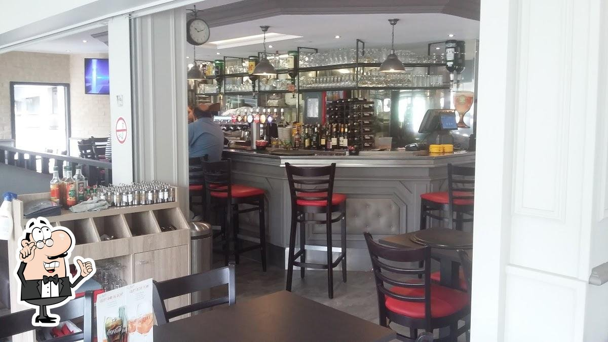 Check out how Brasserie Le Palais looks inside
