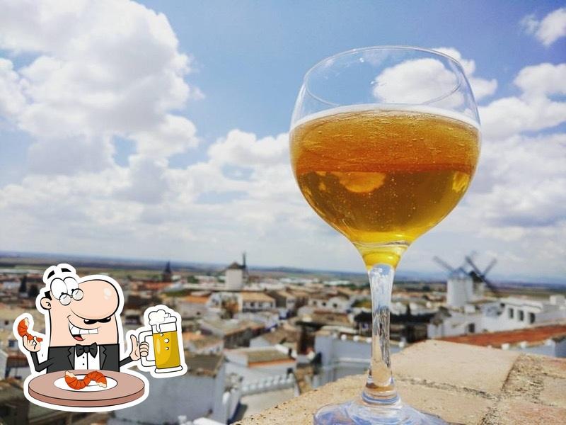 Restaurante Cueva La Martina offers a selection of beers