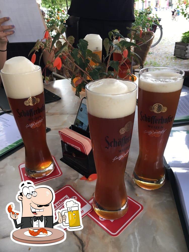 Genießt eine Auswahl an Bieren