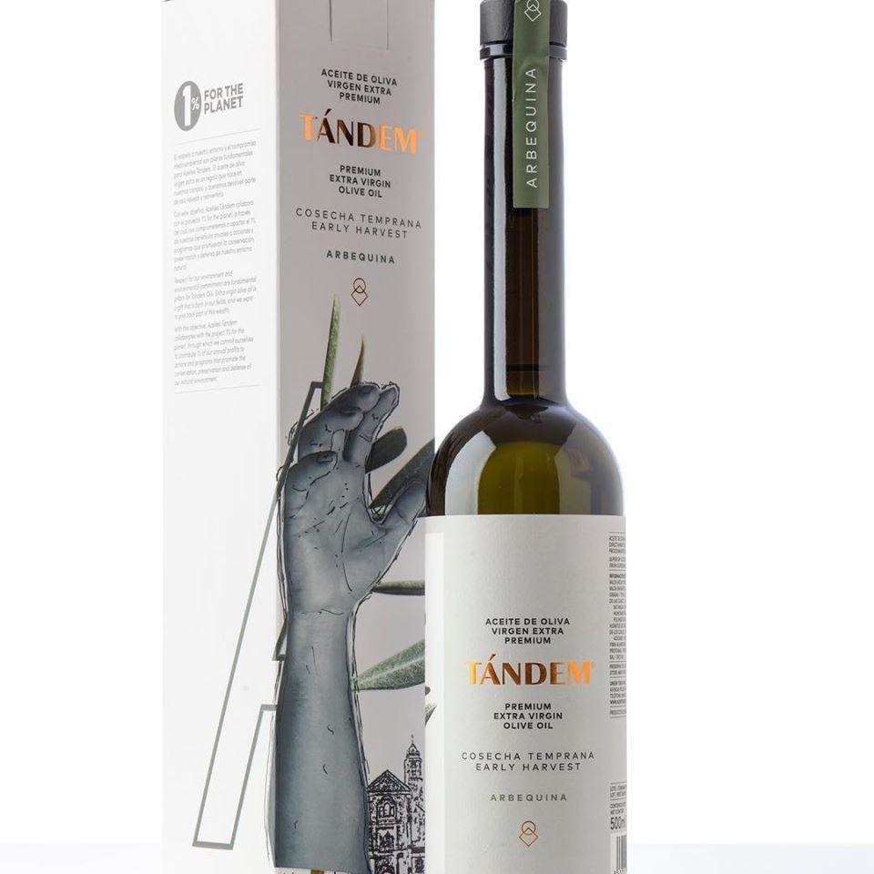 Disfruta de un vino en Tinta Fina Taberna
