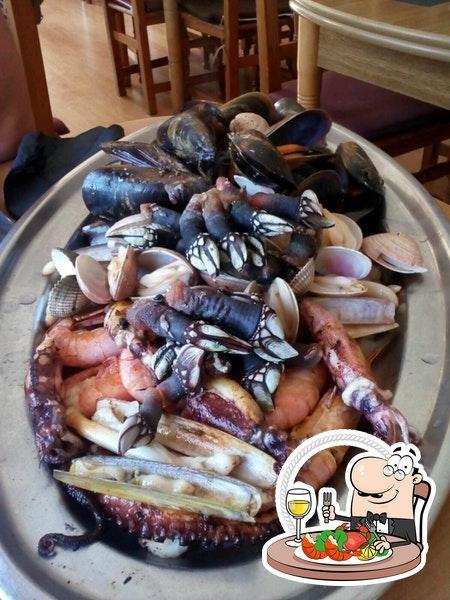 Prueba las diferentes opciones de marisco que te ofrecen en O PIRATA