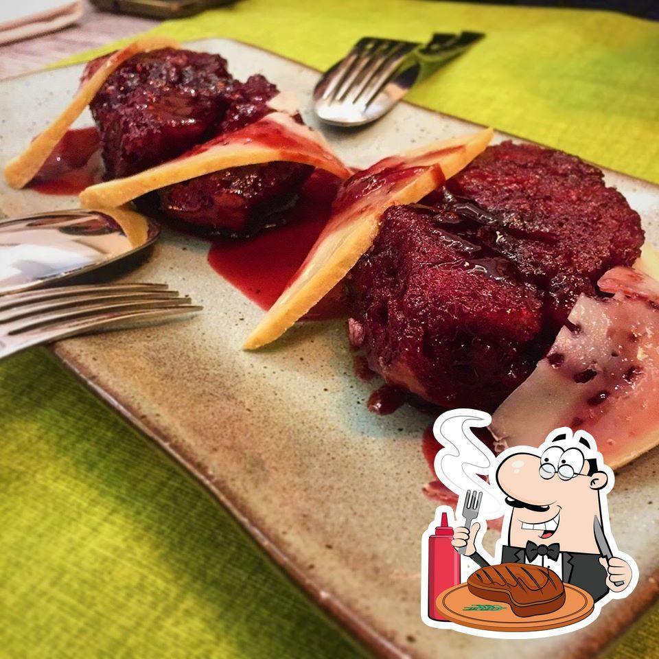 Dê uma olhada na escolha de pratos de carne