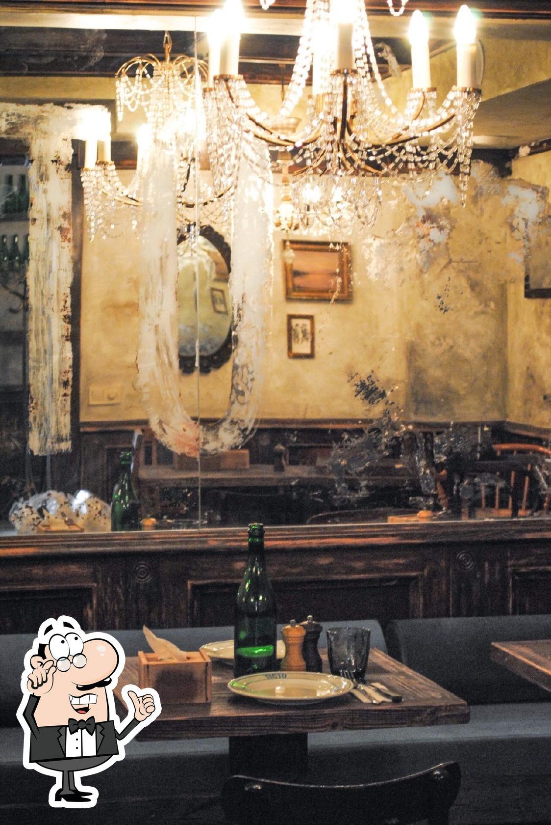 The interior of Tisto