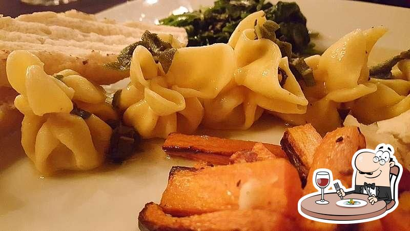 Еда в Pour d'Vino