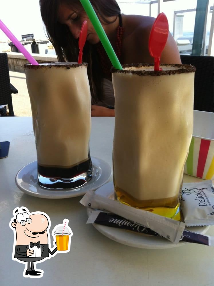 Hotel La Chancla provides a variety of drinks