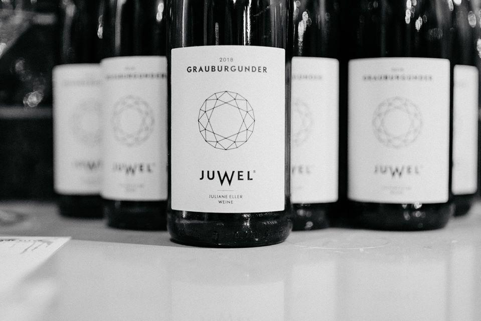 Es ist schön, ein Glas Wein im Mussumer Krug zu genießen