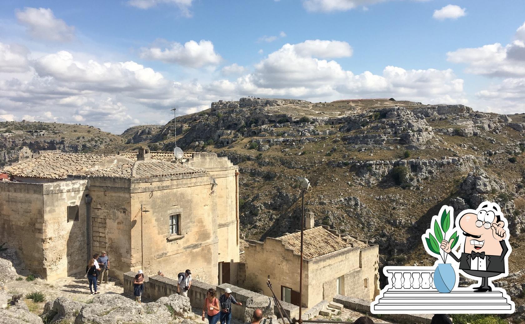 Der Außenbereich ist ein wichtiges Merkmal von Trattoria del Caveoso