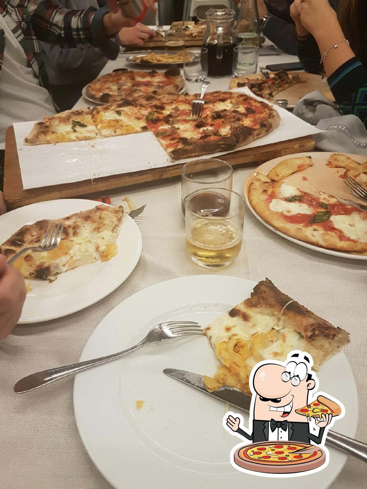 Ordina una pizza alla pizzeria Mezzometro Senigallia