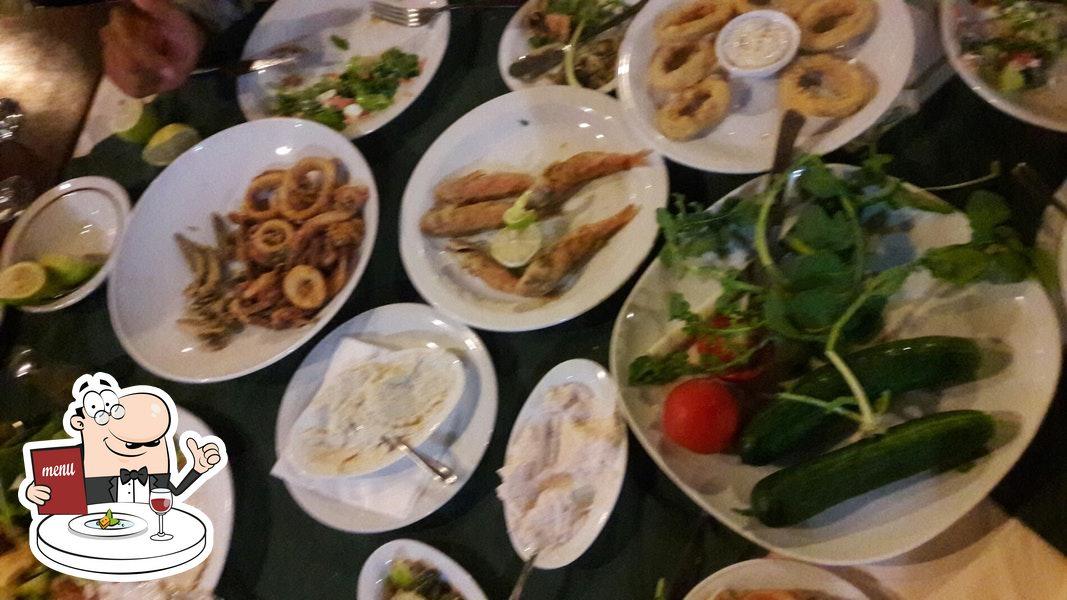 Еда в Agrotikon