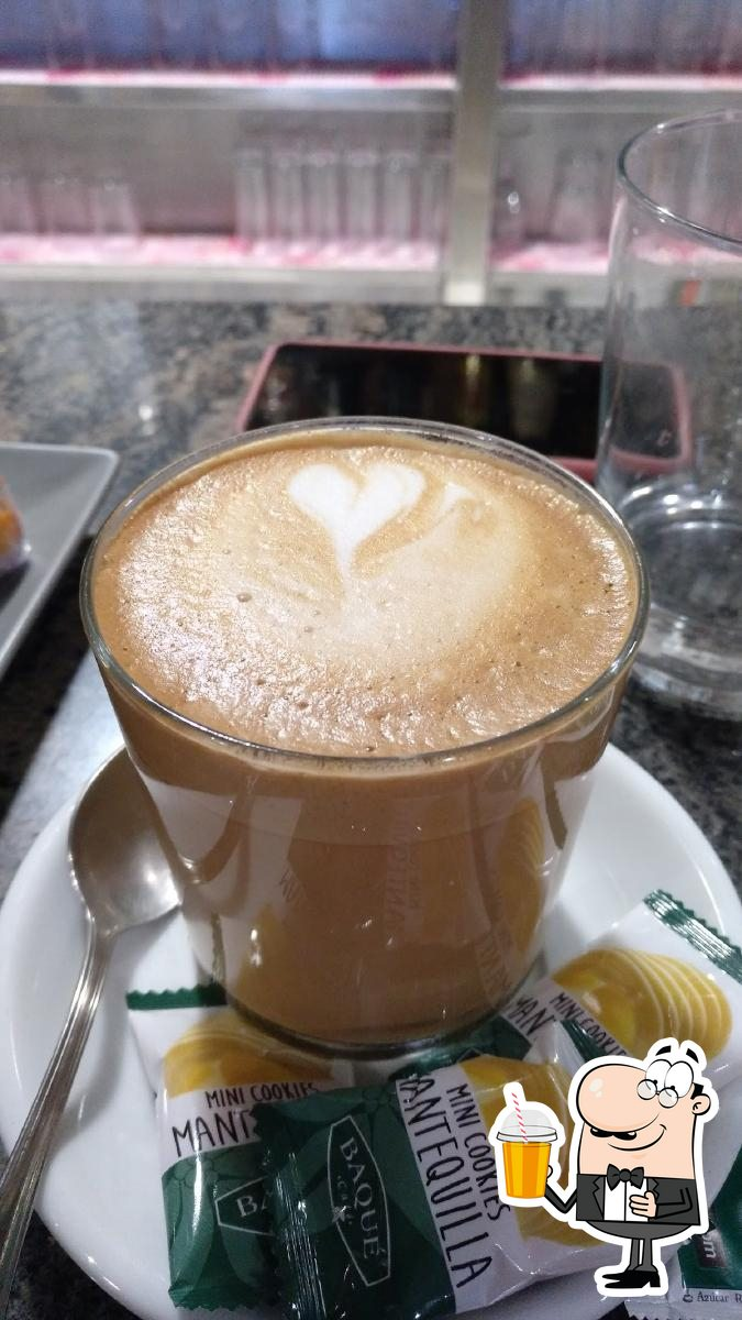 Disfrutra de tu bebida favorita en Bar Mendibil