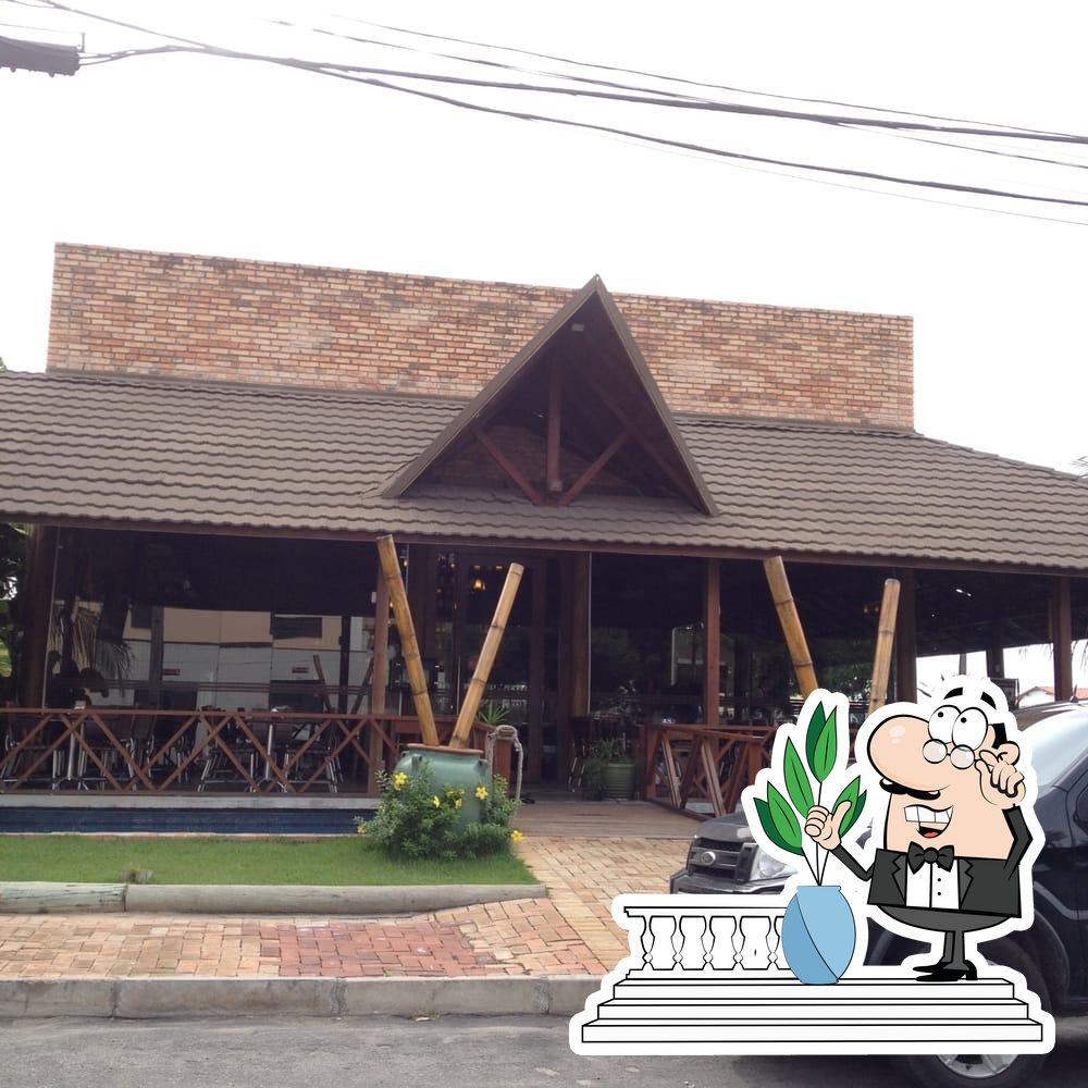 Veja a área externa do Coco Bambu Sul