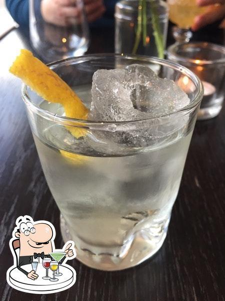 Commandez une boisson alcoolisée du menu