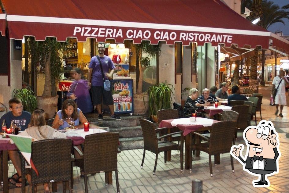 Siéntate a una de las mesas de Ciao Ciao
