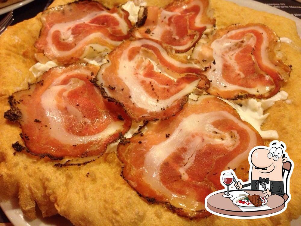 Prova i piatti di carne alla pizzeria 50 Kalò Di Ciro Salvo