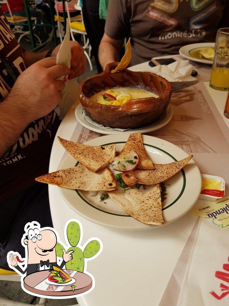 Comida en Restaurante Vivaldi y Salón de Eventos Stravaganza