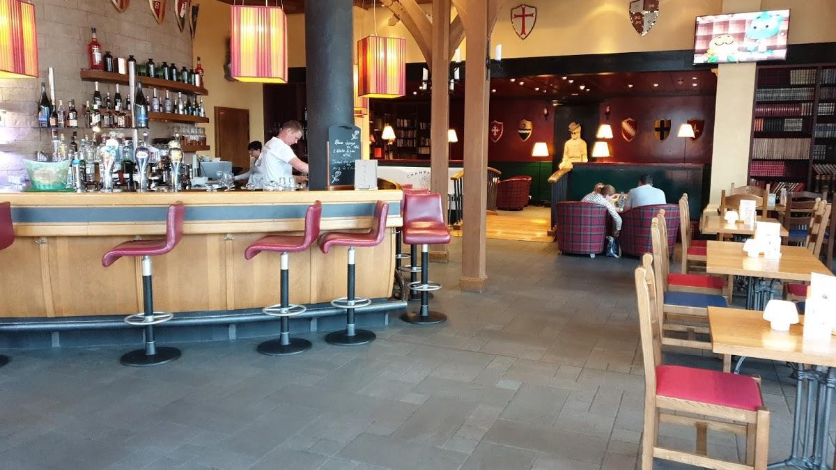 Magny Le Hongre Restaurant shisha bar at dream castle hotel disneyland, magny-le-hongre