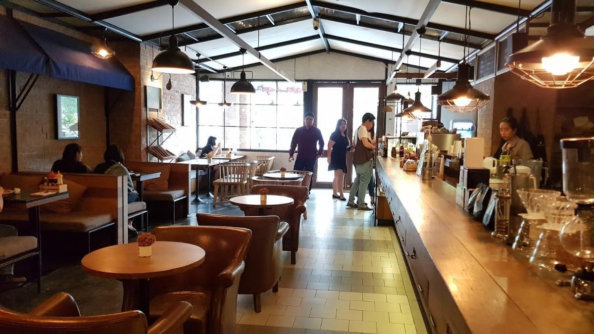 Casa Lapin Specialty Coffee cafe, Bangkok, 20 Phayathai Rd ...