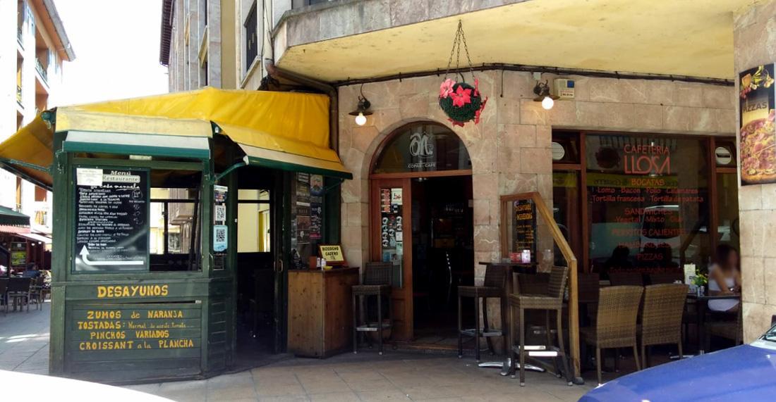 Foto de Café y Copas César Llosas