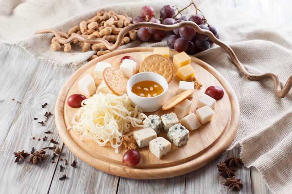 Картинки по запросу сырная тарелка оформление