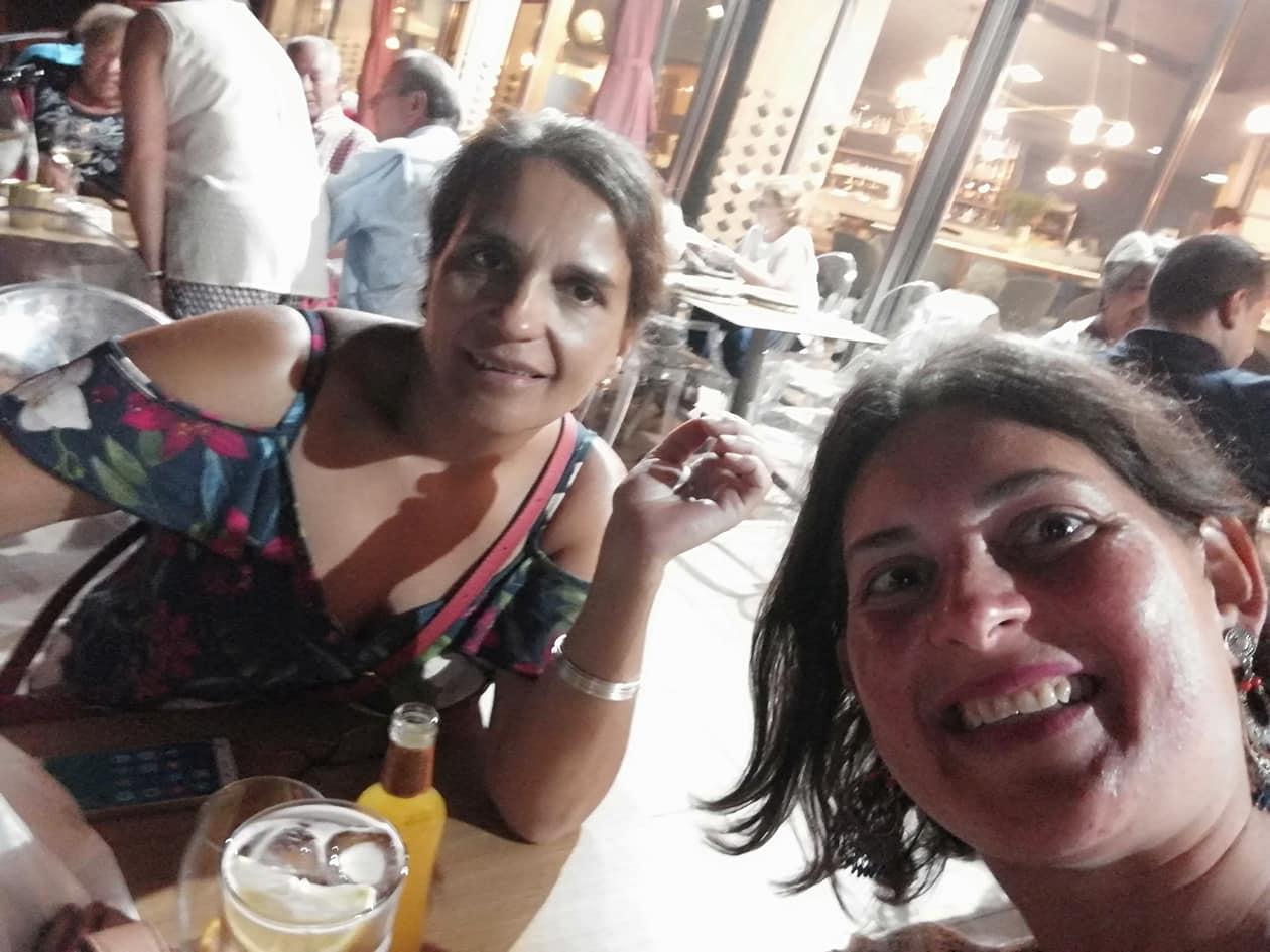 A Terraza De Chicolino In A Pobra Do Caramiñal Restaurant