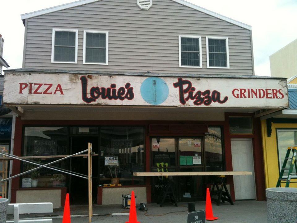 Louie's Pizza photo