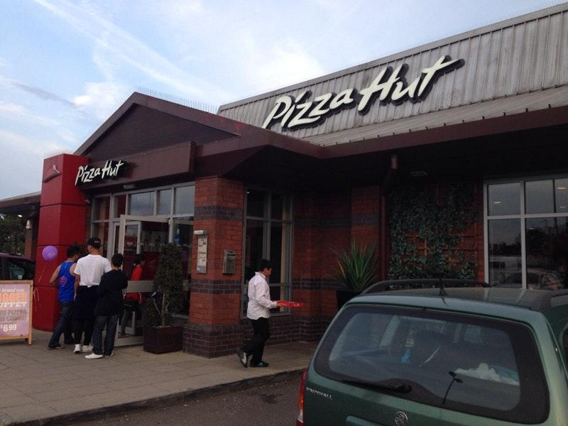 Pizza Hut Royale Leisure Park Western Ave Kendal Ave In