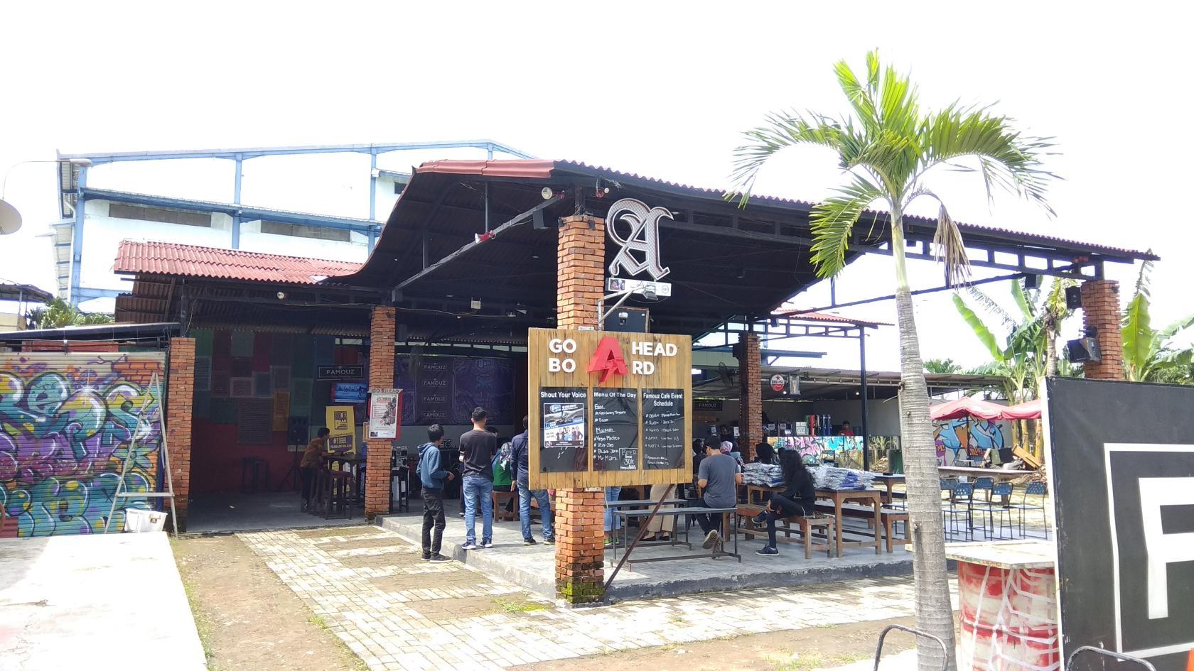 Famouz Cafe photo
