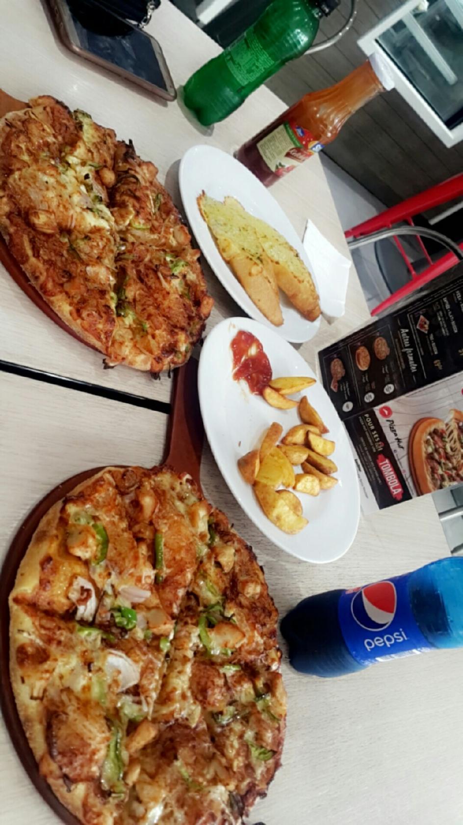 Pizza Hut Delivery Pizzeria Casablanca Angle Rue Taha Houcine