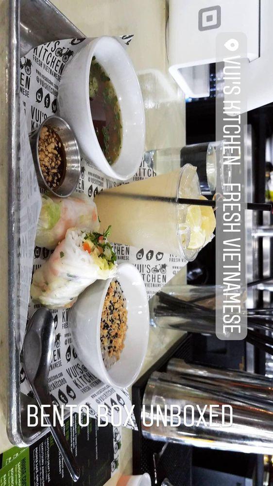 Vui S Kitchen 1120 4th Ave N In Nashville Restaurant Reviews
