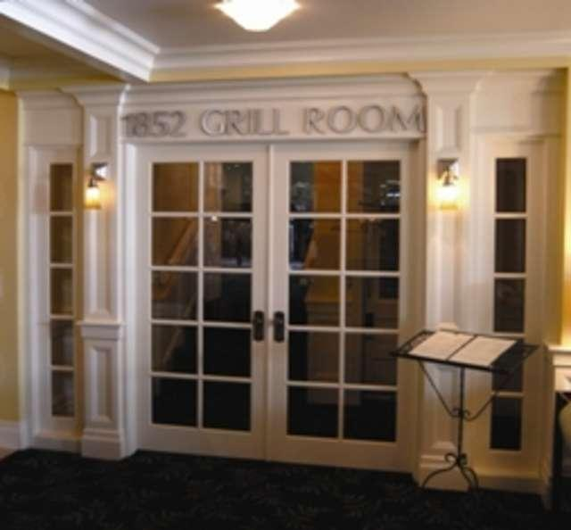 1852 Grill Room photo