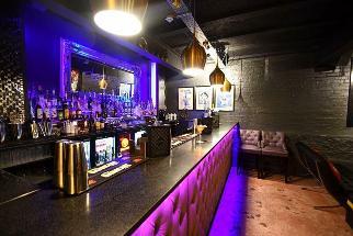 Decades nightclub