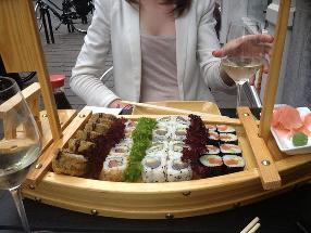 Kanikama Sushi
