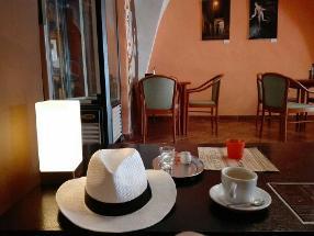 em Café