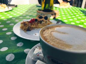 BezE Cafe Majori