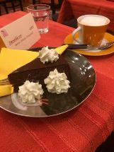 Kunst-Cafe im Hundertwasserhaus