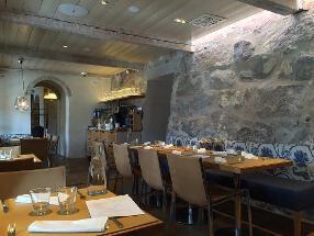 Pinella Restaurant & Bar