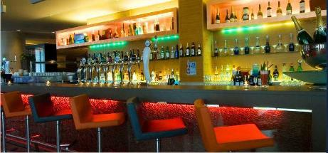 4 Corners Bar And Terrace