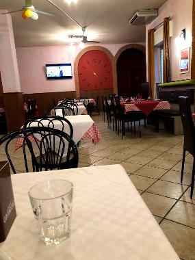 Taj mahal restaurant bar e pizzeria