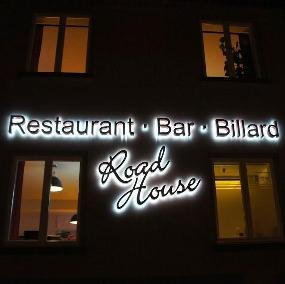 Roadhouse Restaurant, Bar