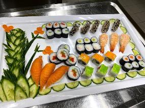 Le Nood Wok & Sushi