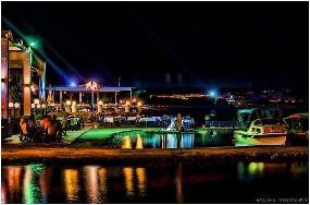 Το Νησάκι - All day cafe beach bar
