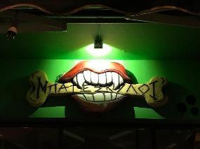 Punk rock bar thessaloniki bate skylee
