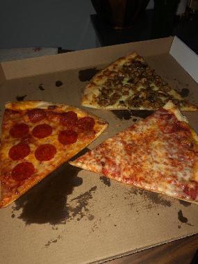 Mickey's Pizzeria