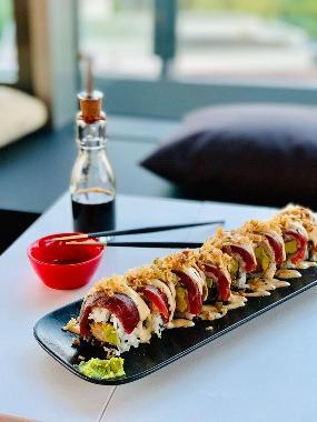 Schilling Roofbar (Nikkei Sushi & Modern Cocktails)