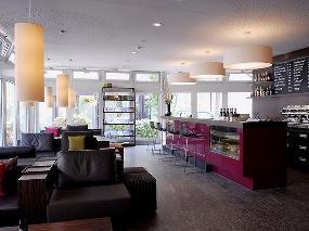 B12 caffé, bar&restaurant