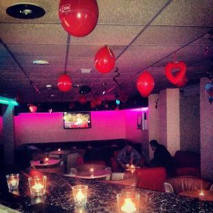 Red Black Bar
