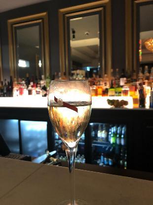 Louis Champagne Bar
