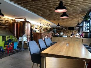 Restaurace West