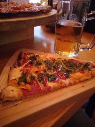 Mittel pizza