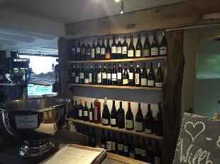 Alte Kunst Weinkeller
